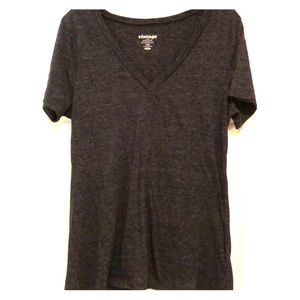 Dark grey v neck teeshirt